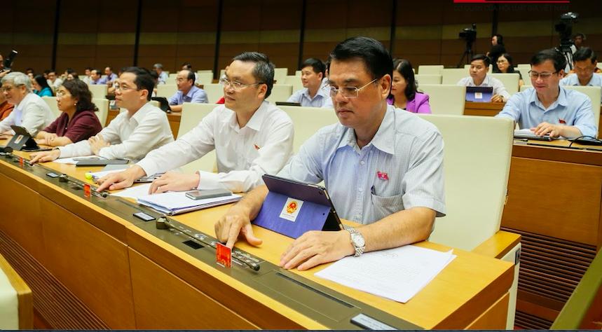 Hôm nay (11/6), Quốc hội thảo luận về đề nghị phê chuẩn việc bổ nhiệm Thẩm phán TAND tối cao - Ảnh 2