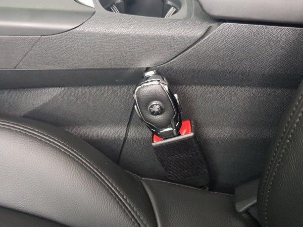 Những mối nguy hiểm tiềm ẩn trên ô tô không phải ai sử dụng xe cũng biết - Ảnh 1