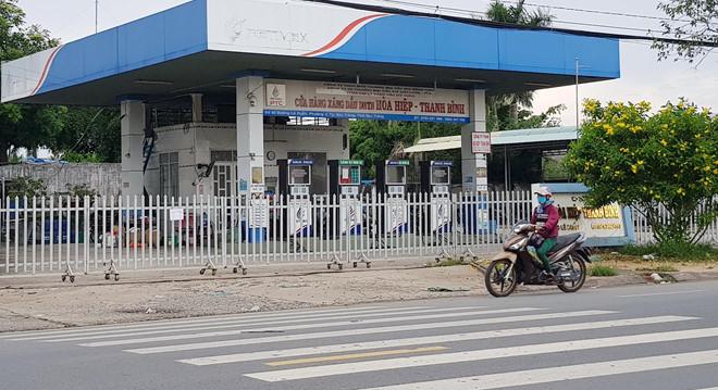 """Đóng cửa hàng loạt cơ sở kinh doanh xăng dầu của """"đại gia"""" buôn hàng giả Trịnh Sướng  - Ảnh 1"""
