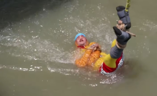 Ảo thuật gia chết đuối dưới sông khi đang biểu diễn  - Ảnh 1