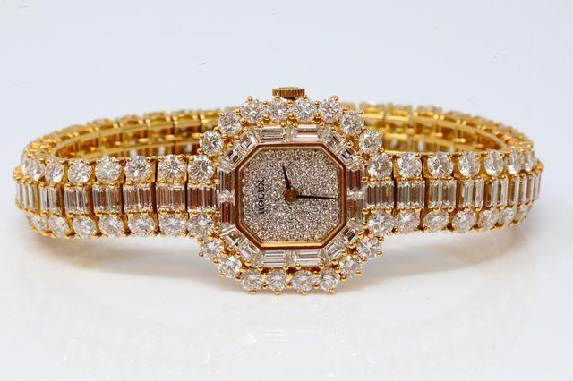 Cận cảnh chiếc đồng hồ Rolex hơn 7 tỷ của hoàng gia Việt - Ảnh 1