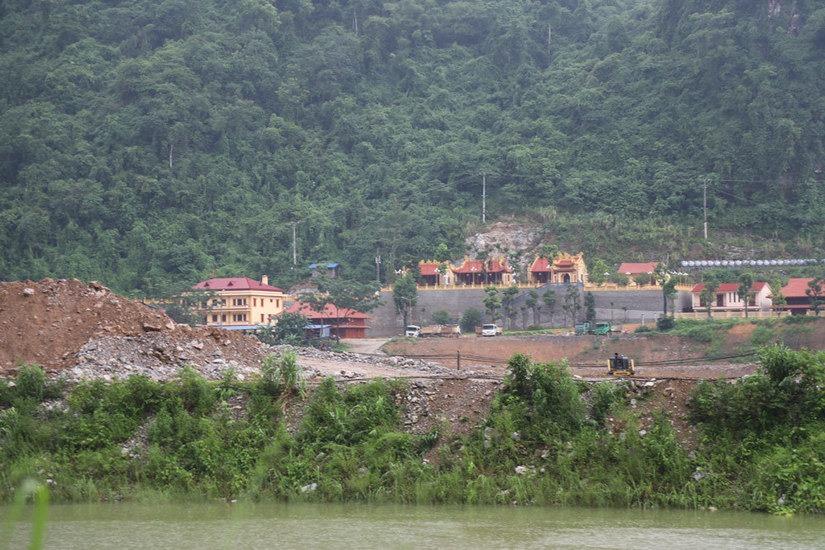 Doanh nghiệp đào vàng hủy hoại rừng đặc dụng - Ảnh 1