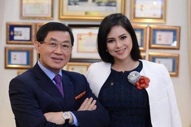 """Kinh doanh hàng miễn thuế mang về cho bố mẹ chồng Tăng Thanh Hà lợi tức """"cực khủng"""" - Ảnh 1"""