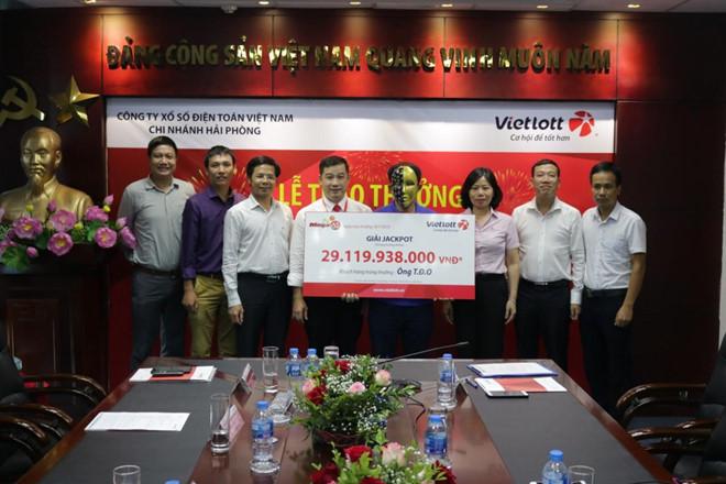 Tài xế ở Nghệ An may mắn trúng giải độc đắc của Vietlott hơn 29 tỷ đồng  - Ảnh 1