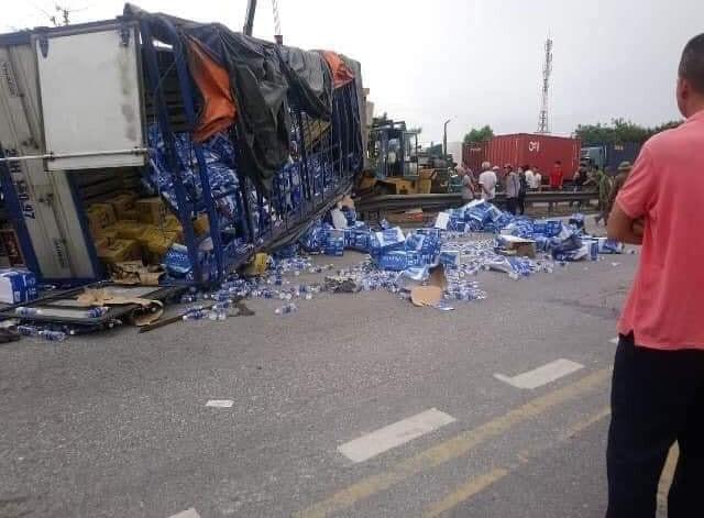 Hiện trường thảm khốc vụ tai nạn 5 người bị xe tải lật đè tử vong ở Hải Dương - Ảnh 2