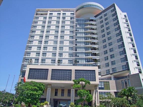 Khách sạn Cendeluxe cao nhất Phú Yên được rao bán với giá 500 tỷ đồng - Ảnh 1