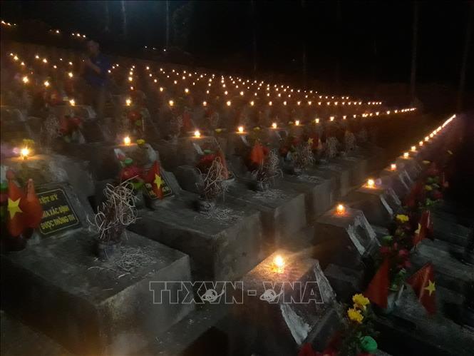 Nghĩa trang Liệt sỹ Quốc gia Vị Xuyên trong những ngày tưởng nhớ - Ảnh 1