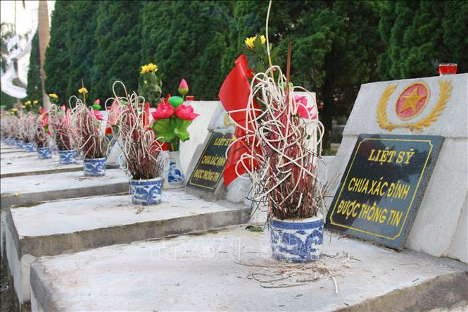 Nghĩa trang Liệt sỹ Quốc gia Vị Xuyên trong những ngày tưởng nhớ - Ảnh 4