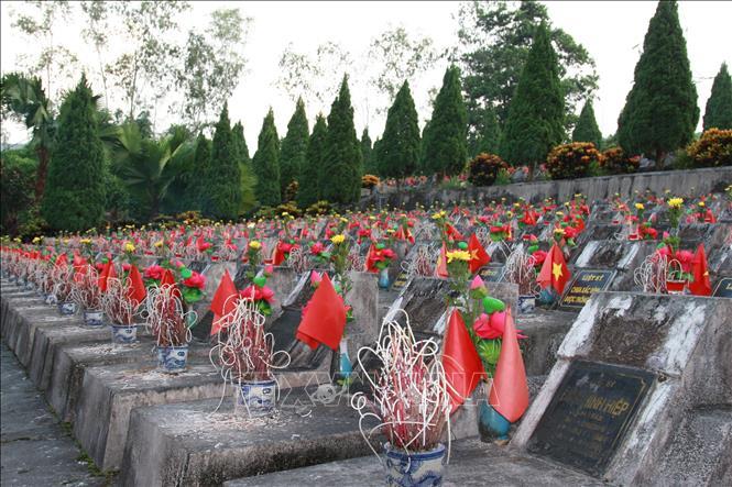 Nghĩa trang Liệt sỹ Quốc gia Vị Xuyên trong những ngày tưởng nhớ - Ảnh 5