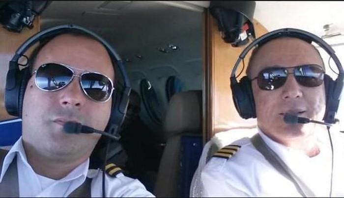 Máy bay hạ cánh khẩn cấp vì cơ trưởng đột tử - Ảnh 1