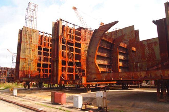 Đau xót tàu Vinalines đóng dở, mang đi bán sắt vụn theo cân - Ảnh 1