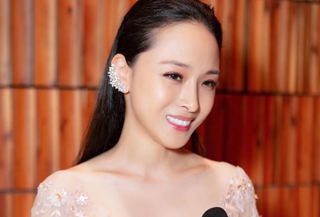Cuộc sống của Hoa hậu Trương Hồ Phương Nga bây giờ thay đổi như thế nào? - Ảnh 1