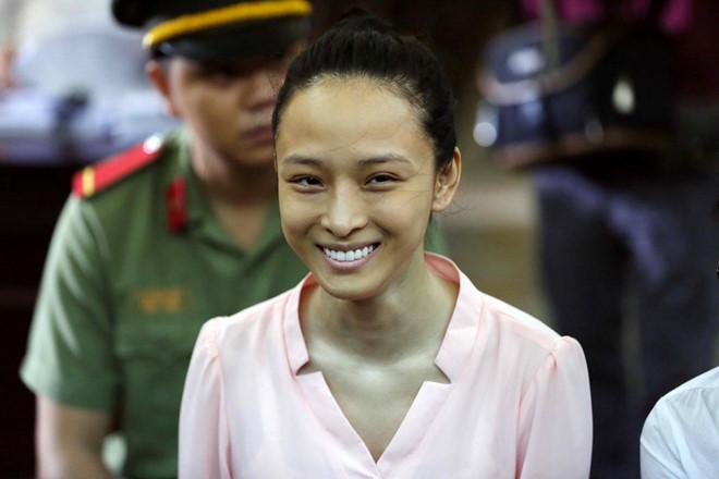 Cuộc sống của Hoa hậu Trương Hồ Phương Nga bây giờ thay đổi như thế nào? - Ảnh 6