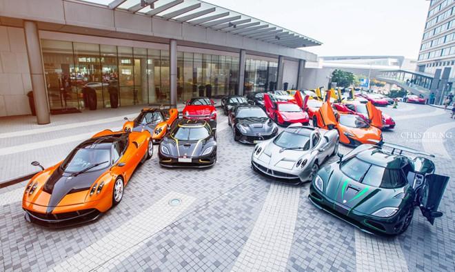 Cận cảnh dàn siêu xe hơn 500 tỷ đồng ở Hồng Kông - Ảnh 1