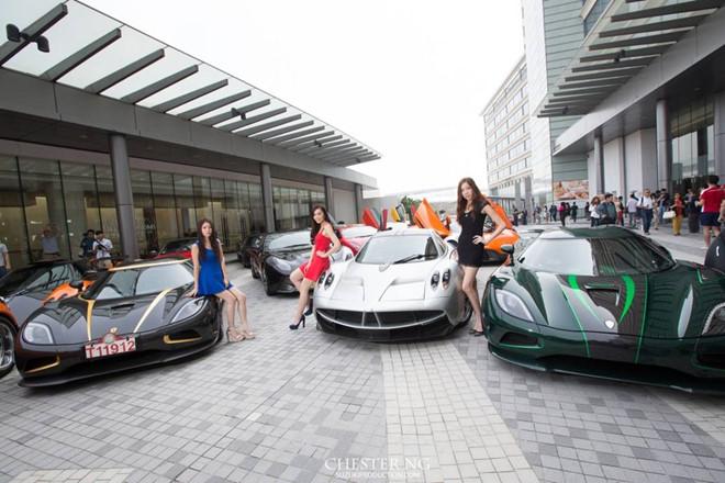 Cận cảnh dàn siêu xe hơn 500 tỷ đồng ở Hồng Kông - Ảnh 2
