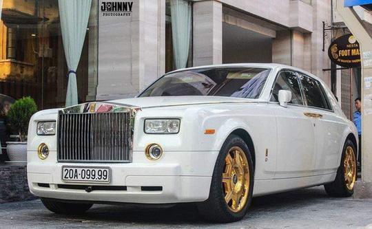 """Đại gia Thái Nguyên """"Cường mắm"""" bán Rolls-Royce mạ vàng biển độc - Ảnh 1"""