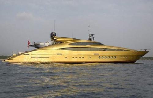 Chói mắt với những món đồ bọc vàng xa xỉ của giới nhà giàu   - Ảnh 3