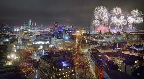 Chiêm ngưỡng những màn pháo hoa rực rỡ chào đón năm mới 2020 trên khắp thế giới - Ảnh 1