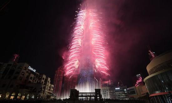 Chiêm ngưỡng những màn pháo hoa rực rỡ chào đón năm mới 2020 trên khắp thế giới - Ảnh 5