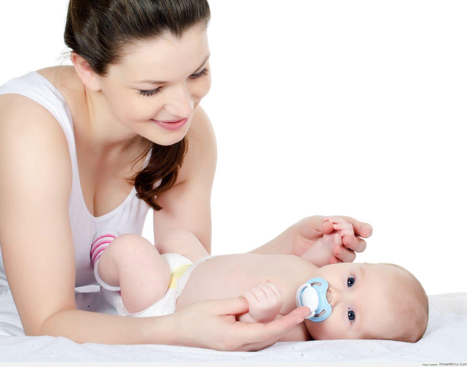 Lần đầu làm mẹ: Dầu tràm và những điều mẹ cần lưu ý - Ảnh 1