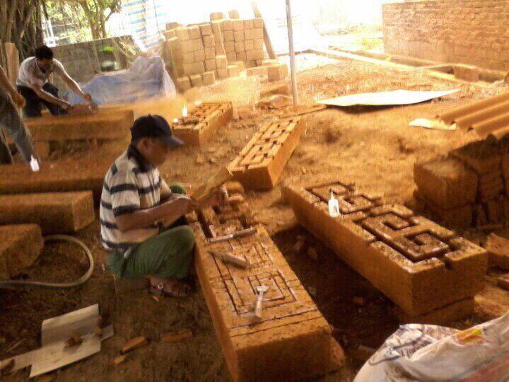 Những công trình mang một vẻ đẹp riêng được xây nên bởi đá ong  - Ảnh 1