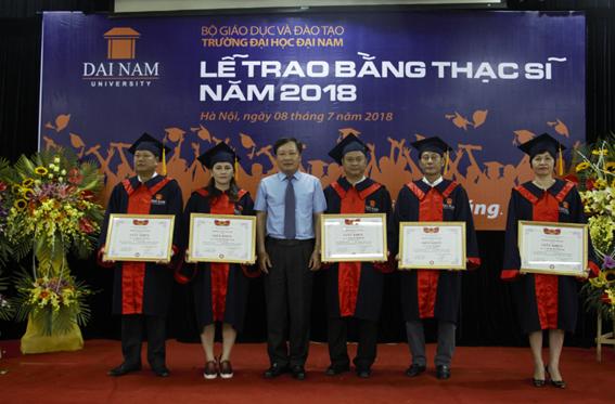 Đại học Đại Nam: Những cái nhất trong lễ trao bằng tốt nghiệp cao học khóa 4 - Ảnh 5
