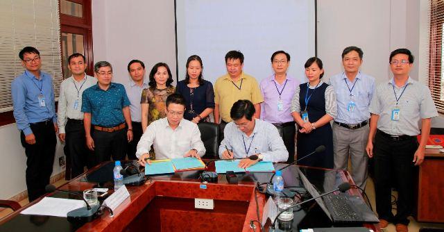 ĐH Công nghiệp Thực phẩm TP.HCM và HV Khoa học-Công nghệ ký kết thỏa thuận hợp tác - Ảnh 1