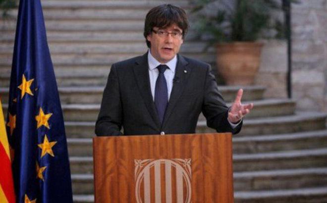 Thủ hiến Catalonia bị phế truất sẵn sàng thỏa thuận với Tây Ban Nha - Ảnh 1