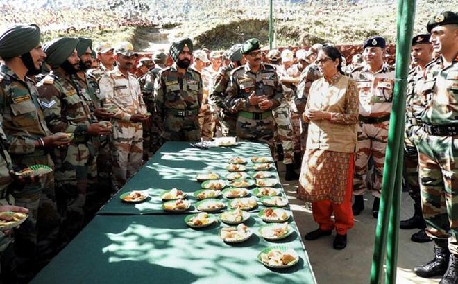 Trung Quốc chỉ trích Bộ trưởng Ấn Độ thăm khu tranh chấp ở biên giới - Ảnh 1