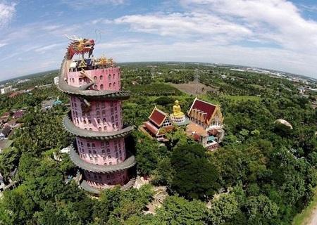 Thái Lan: Ngôi đền có rồng khổng lồ quấn quanh - Ảnh 5
