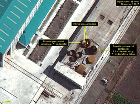 Triều Tiên đẩy nhanh chế tạo tàu ngầm tên lửa đạn đạo - Ảnh 2