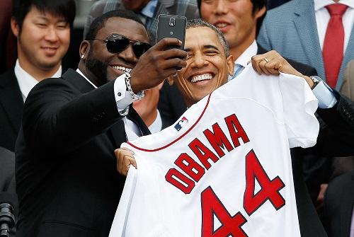 """Ông Obama bất ngờ tiết lộ không thích chụp ảnh """"tự sướng"""" - Ảnh 1"""