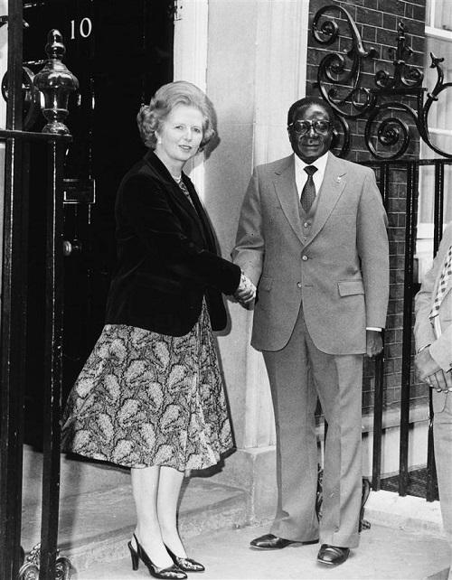 Hành trình 37 năm từ đỉnh cao đến vực sâu của cựu Tổng thống Zimbabwe - Ảnh 6