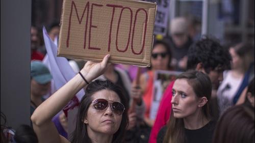 Báo Mỹ: 87% phụ nữ Việt Nam từng bị quấy rối tình dục ở nơi công cộng - Ảnh 2