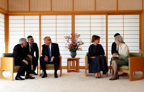 Tổng thống Mỹ Donald Trump diện kiến Nhật Hoàng Akihito - Ảnh 2