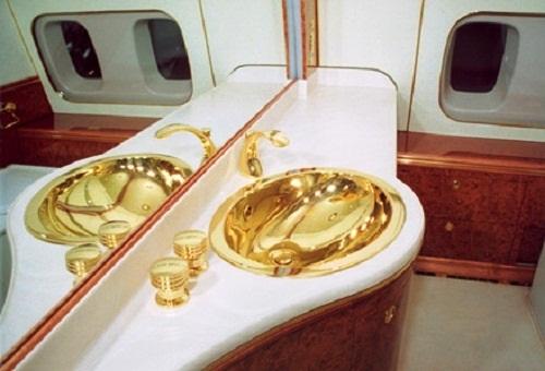 """Bên trong chuyên cơ dát vàng, được ví như """"Điện Kremlin bay"""" của Tổng thống Putin - Ảnh 8"""
