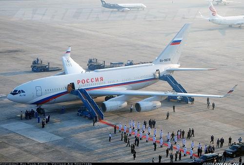 """Bên trong chuyên cơ dát vàng, được ví như """"Điện Kremlin bay"""" của Tổng thống Putin - Ảnh 10"""