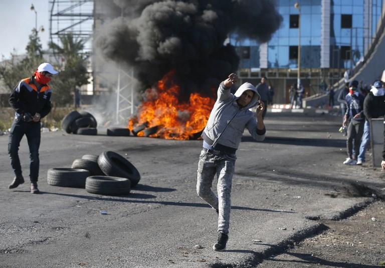Ngọn lửa biểu tình bùng cháy khắp Bờ Tây và dải Gaza sau quyết định của Tổng thống Trump  - Ảnh 4