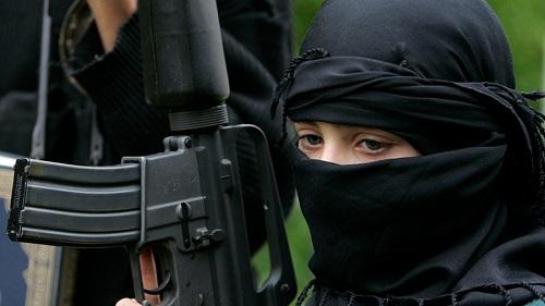 """Tình báo Đức: Vợ, con của chiến binh IS là """"bộ phận truyền thông"""" của khủng bố  - Ảnh 1"""