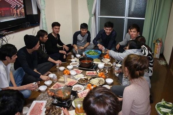 Không khí đón Tết Mậu Tuất 2018 của cộng đồng người Việt tại nước ngoài - Ảnh 2