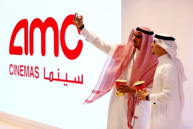 """Sau 40 năm cấm điện ảnh, Ả Rập Saudi công chiếu phim """"Báo đen"""" của Hollywood - Ảnh 1"""
