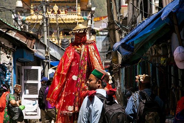 Ngôi làng nơi Đà Lai Lạt Ma từng lưu vong trong hơn nửa thế kỷ giờ ra sao? - Ảnh 1