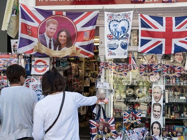 """Đám cưới Hoàng gia giúp nước Anh thu về lợi nhuận """"khủng"""" - Ảnh 2"""