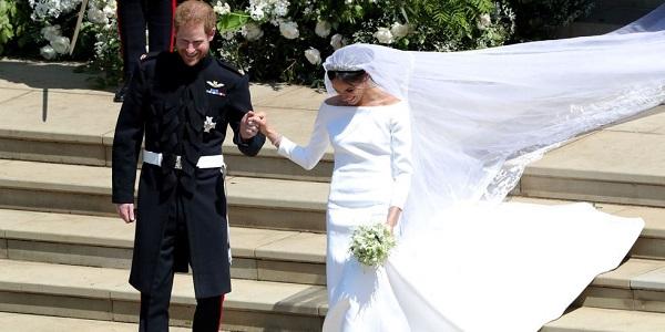 10 mẫu đầm trắng đẹp lộng lẫy như váy cưới Givenchy của công nương Meghan giá chỉ từ 3,6 triệu đồng - Ảnh 1