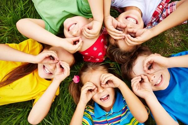 Chuyên gia tiết lộ 8 thói quen hại vô cùng mà trẻ nhỏ học có thể học từ cha mẹ  - Ảnh 1