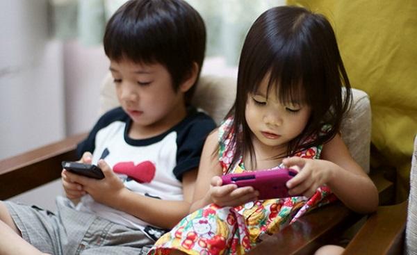 Chuyên gia tiết lộ 8 thói quen hại vô cùng mà trẻ nhỏ học có thể học từ cha mẹ  - Ảnh 2