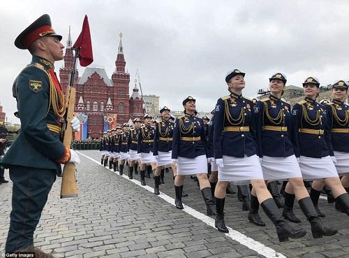 Quân đội Nga diễn tập rầm rộ, phô diễn sức mạnh chuẩn bị mừng Ngày Chiến thắng - Ảnh 8