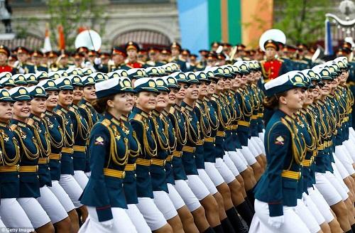Quân đội Nga diễn tập rầm rộ, phô diễn sức mạnh chuẩn bị mừng Ngày Chiến thắng - Ảnh 10