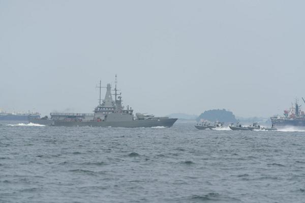 Tàu chiến của lực lượng Hải quân Singapore tuần tra quanh đảo Sentosa trong bữa trưa của lãnh đạo Mỹ, Triều - Ảnh 4