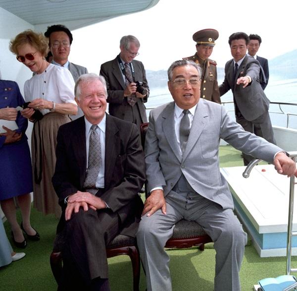 Nhìn lại gần 7 thập kỷ quan hệ ngoại giao Mỹ - Triều Tiên qua ảnh - Ảnh 15